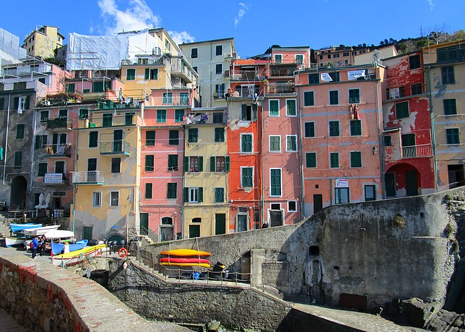 Riomaggiore 3 gekleurde huizen