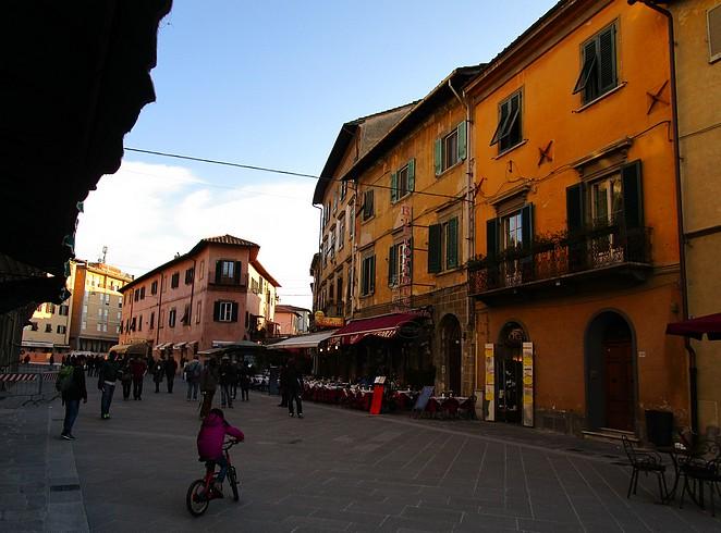 Straatbeeld Pisa