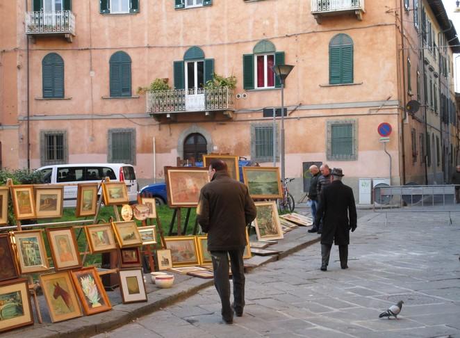 Antiekmarkt (elk 2e weekend van de maand)