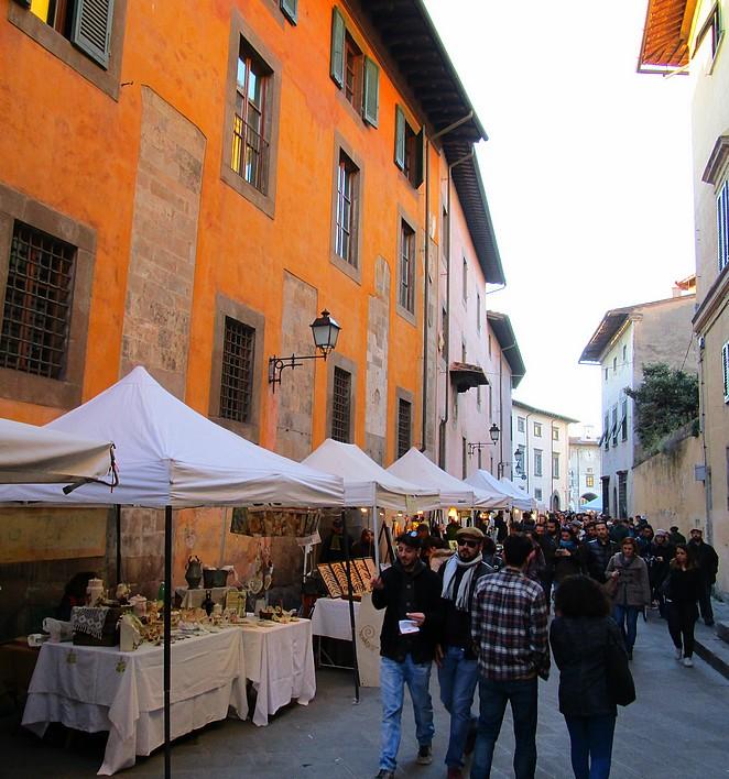 Kraampjes bij de antiekmarkt