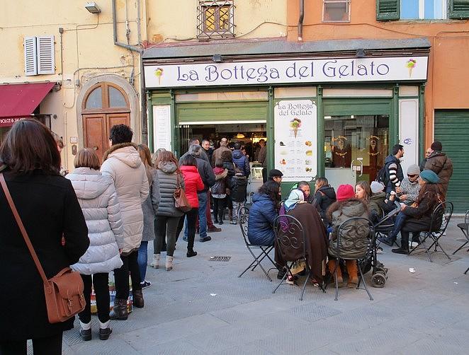 Een populaire gelateria in Pisa