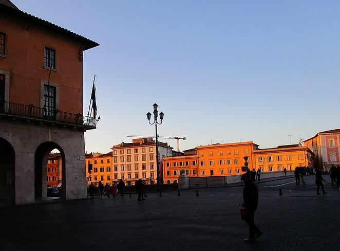 Pisa tijdens het gouden uur