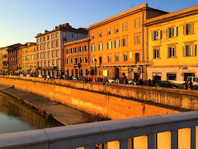 Pisa, vlak voor zonsondergang