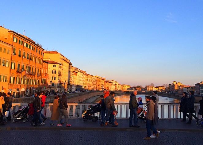 Italianen op de brug over de Arno