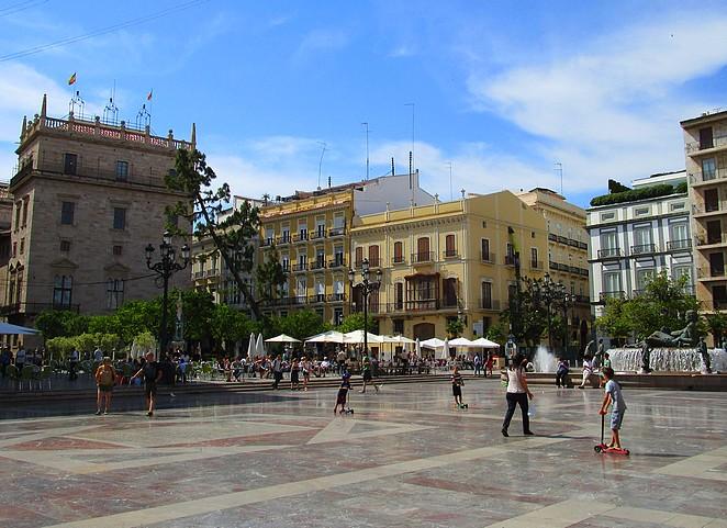 Plaza-plein-Valencia