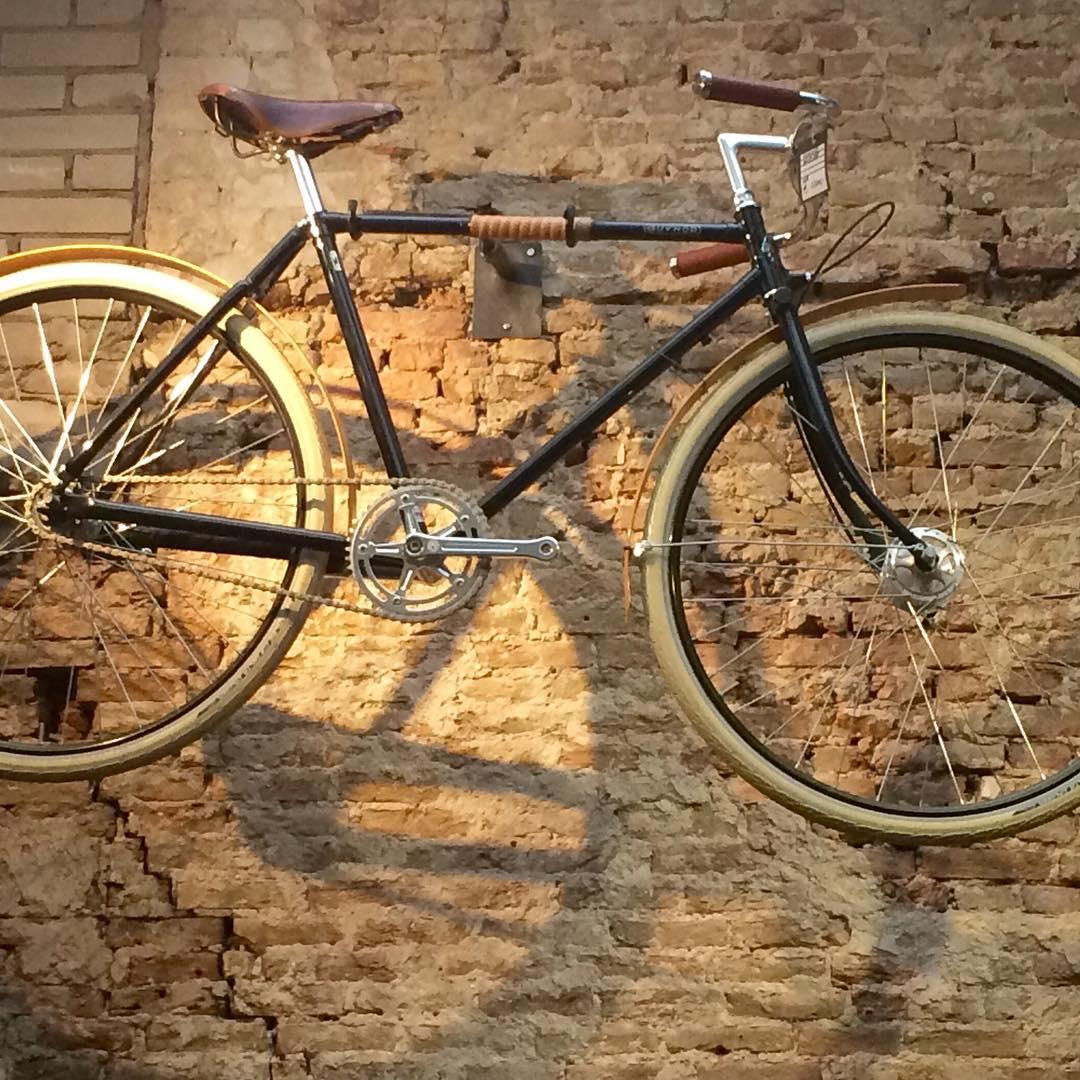 En daarna even opgewarmd bij Lola Bikes  Coffee ophellip