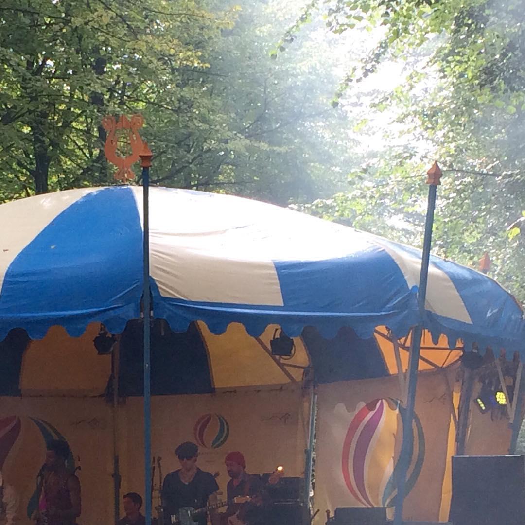 Embassy Festival op het Lange Voorhout in Den Haag Morehellip