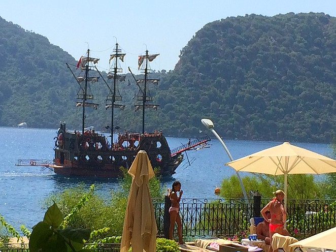 Other-pirate-boat