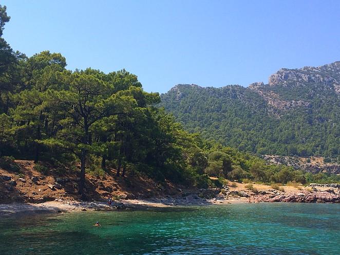 zwemmen bij strandje Turkije