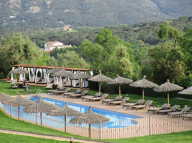 hotel-zwembad-emporda