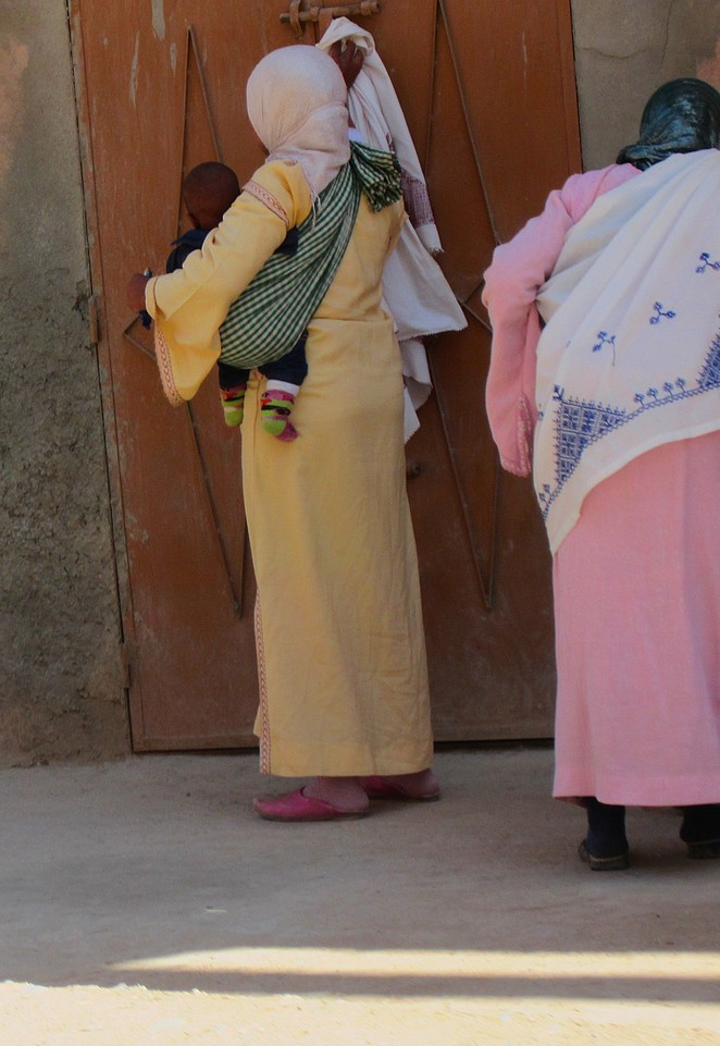 Marokkaanse vrouw met kind