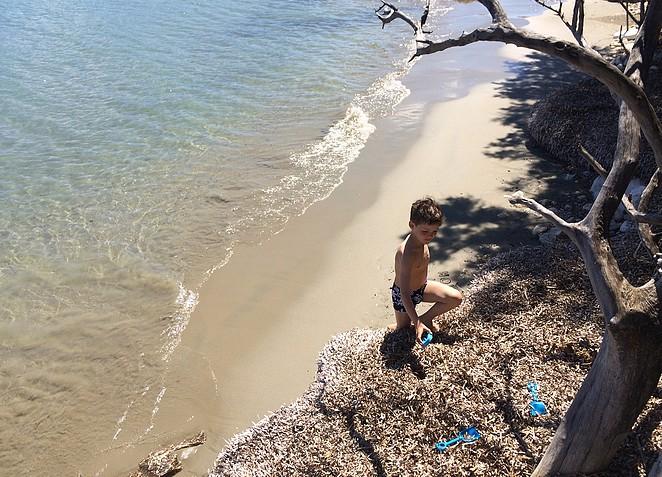 spelen-strand-koukla-beach