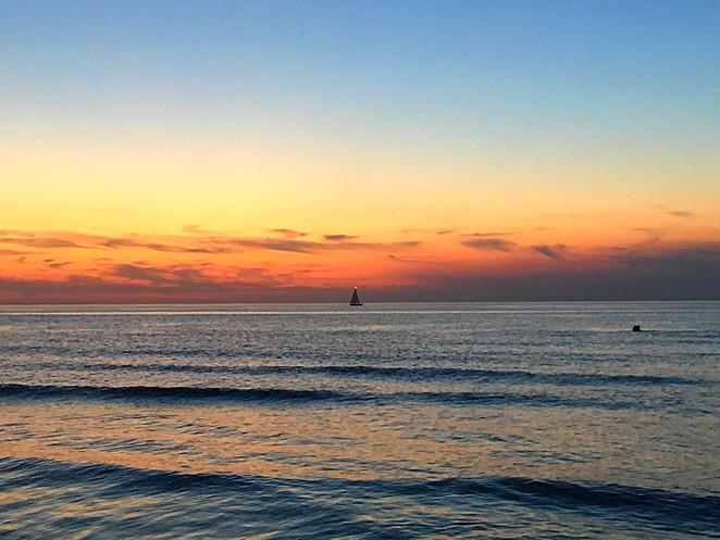 bootje-bij-zonsondergang