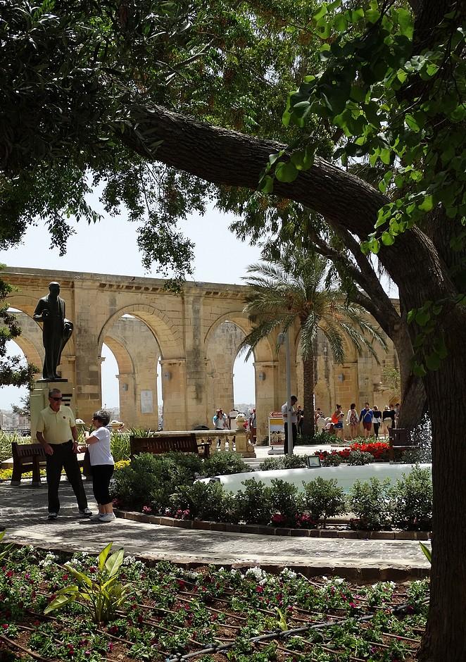 upper-barrakka-gardens