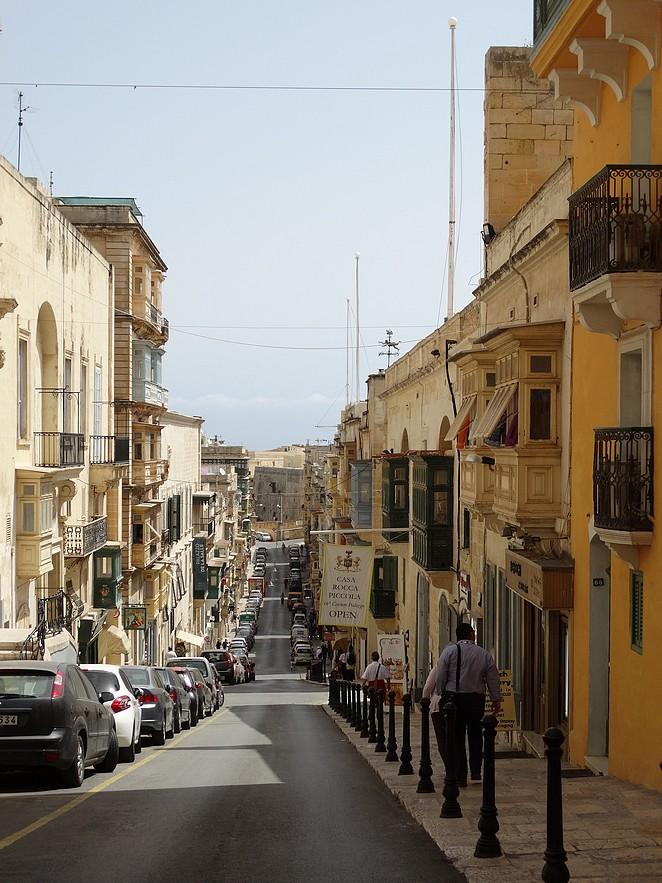 valletta-republic-street