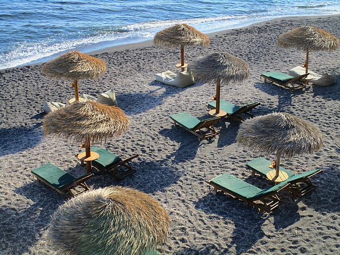 eros-beach-strandbedjes