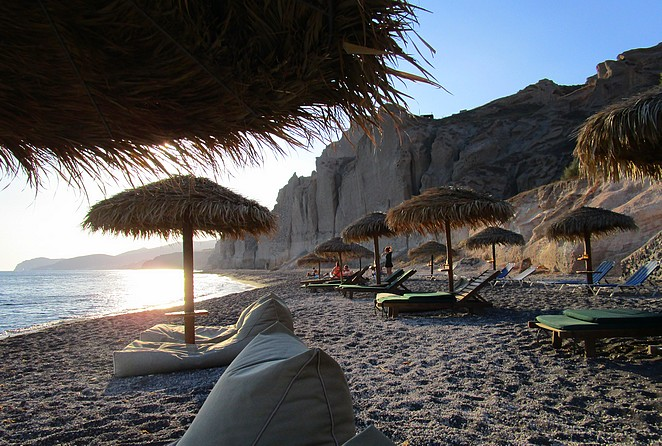 eros-beach-Santorini