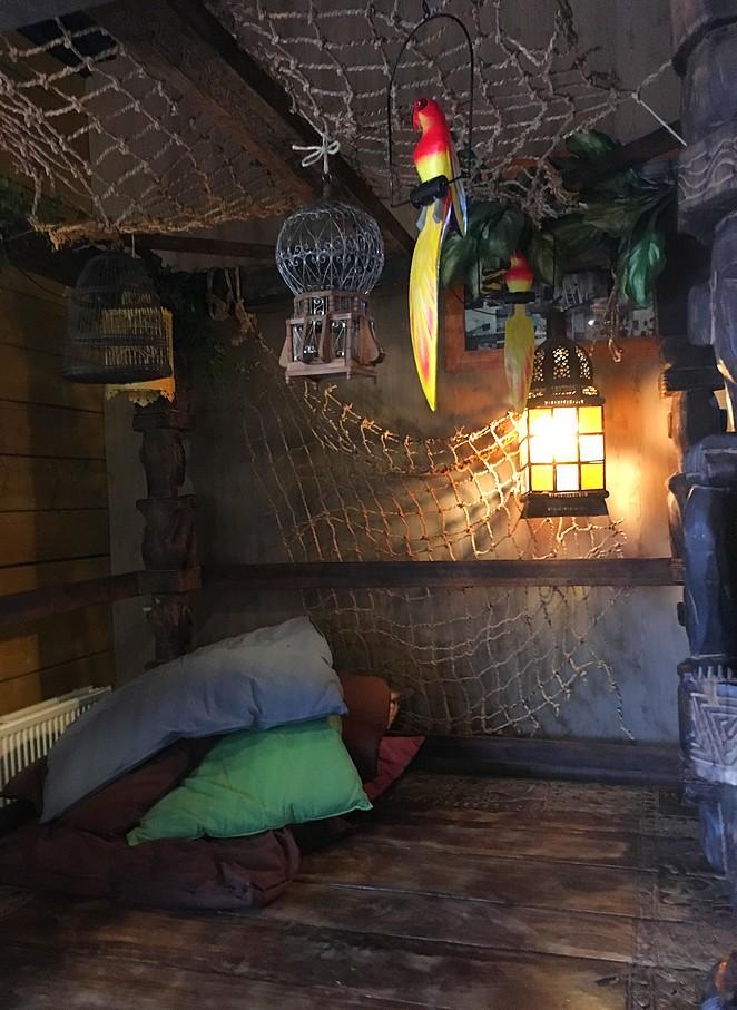 kinderhoekje-in-restaurant-Oehoe