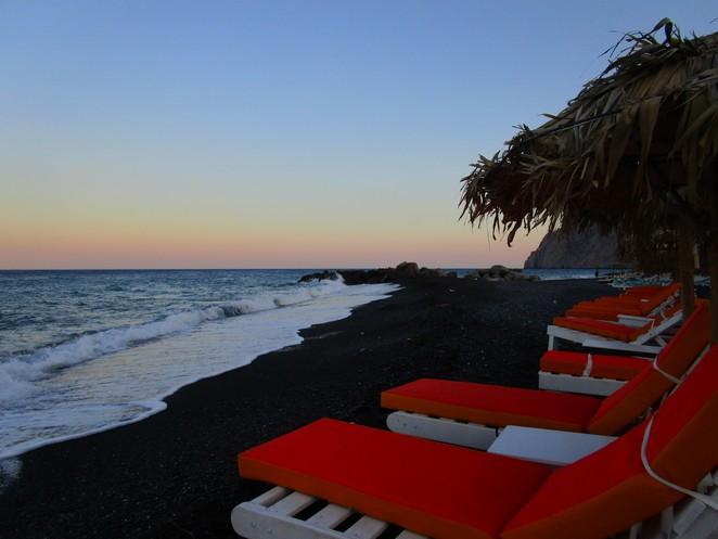 zwart-strand-santorini