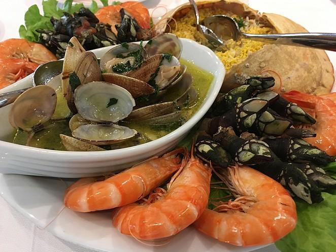 seafood-restaurant-Os-Lusiadas