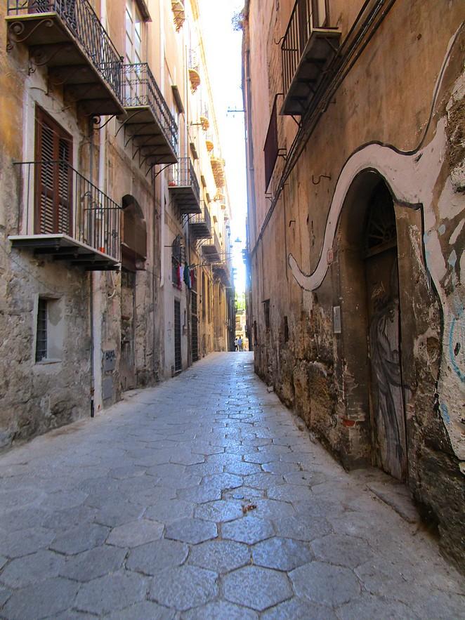 zijstraat-Via-Vittorio-Emanuele