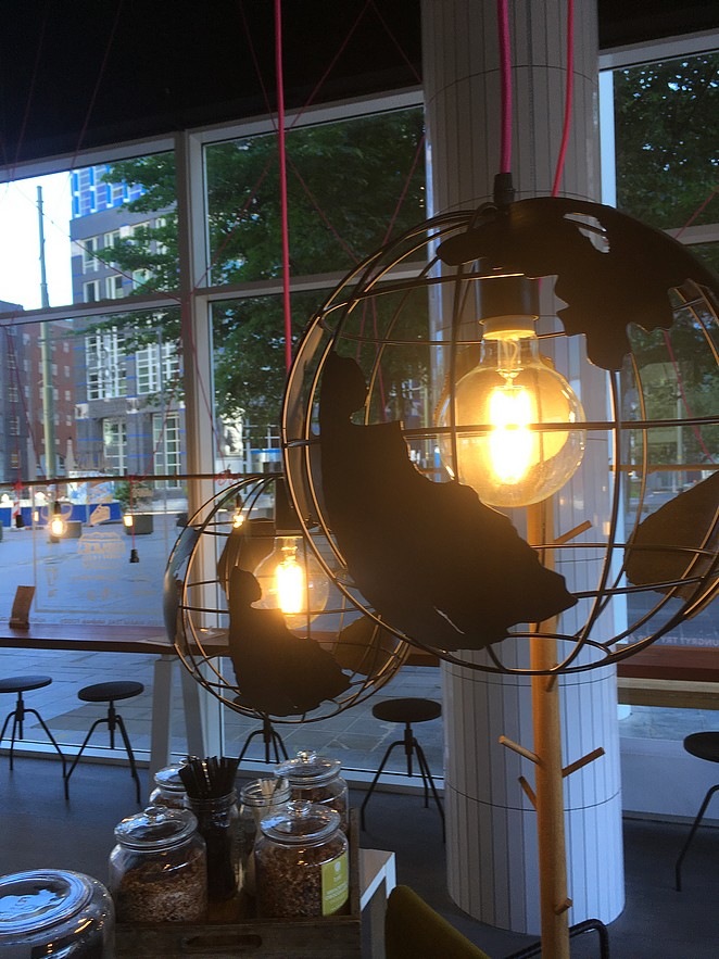 wereldbol-lamp