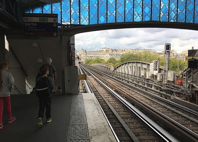 met-de-metro-naar-de-eiffeltoren