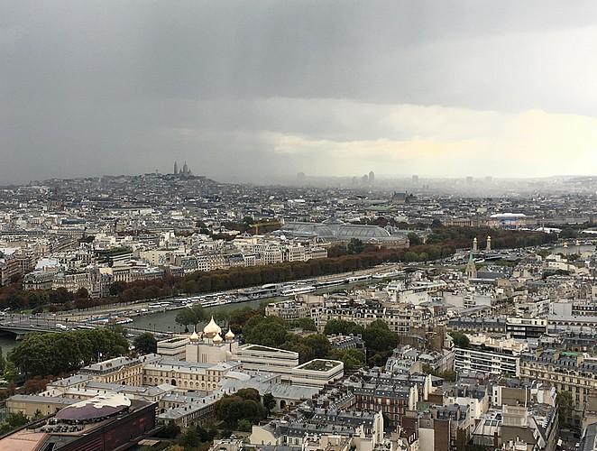 parijs-in-de-regen