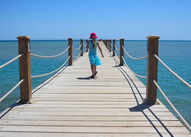 pier-zeytouna-beach