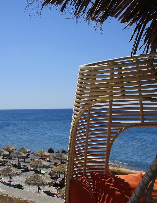 beachclub-santorini-vlychada