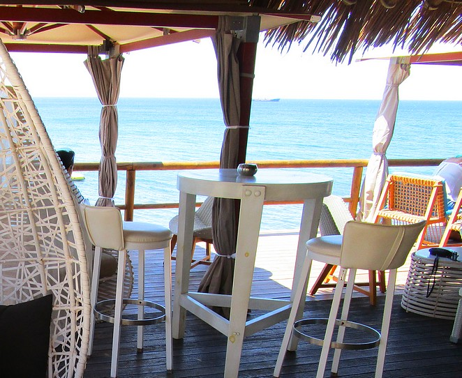 santorini-beachclub