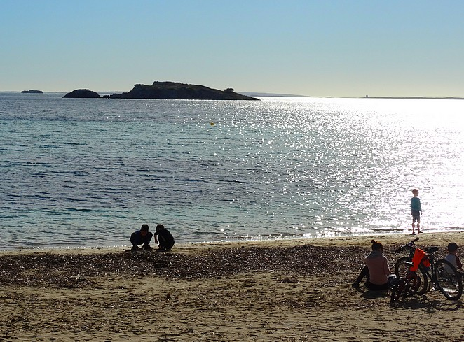 playa-figueretas-winter