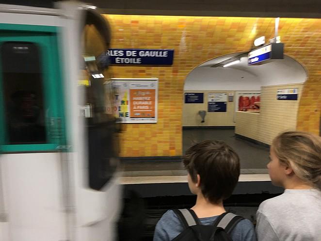 met-kinderen-met-de-metro