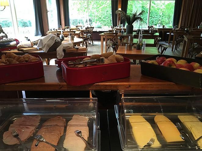 ontbijtbuffet-badhotel-rockanje