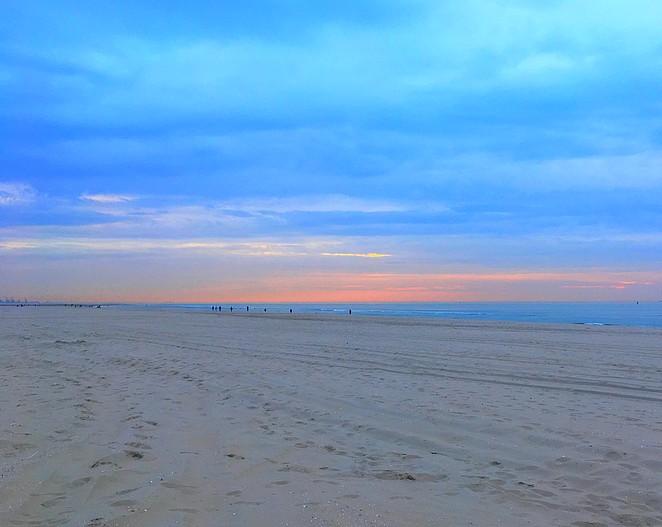 strand-april