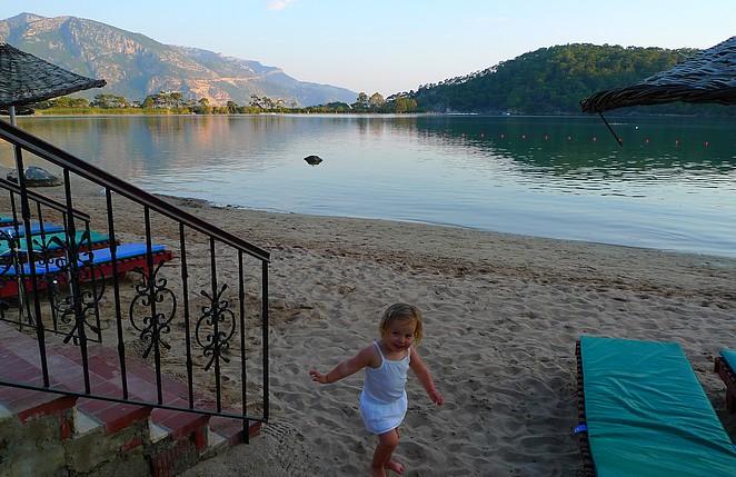 hotel-aan-de-blue-lagoon