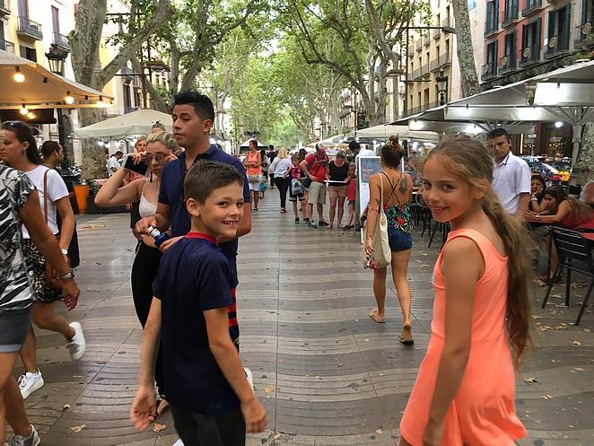 kinderen-ramblas-barcelona