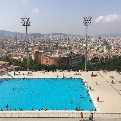 Zwembad Montjuic: zwemmen met mooiste uitzicht van Barcelona