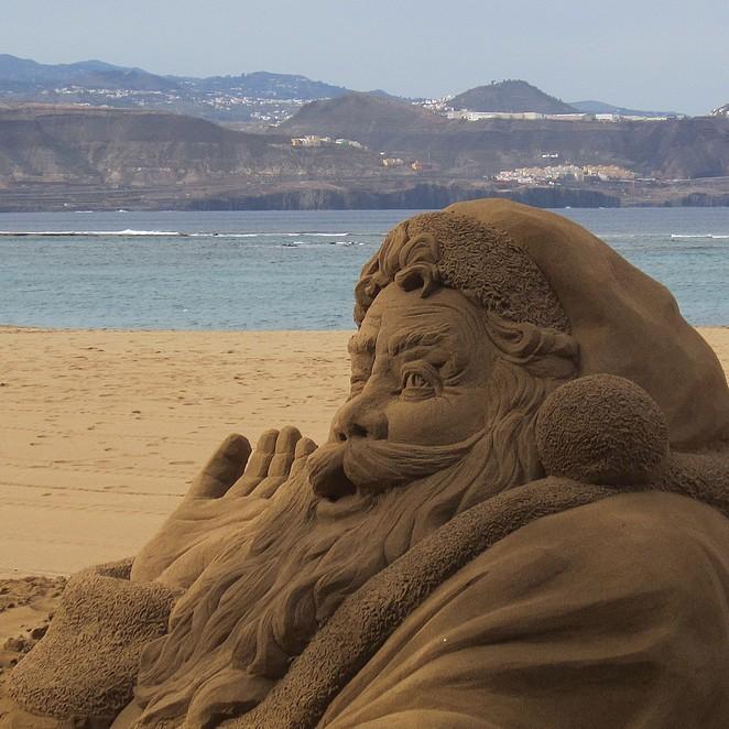 Zandsculpturen op het strand van Gran Canaria