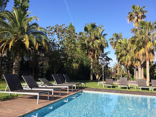 Zwembad bij hotel Guitart Monterrey