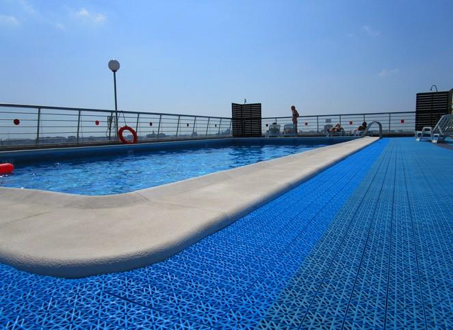 hotel-expo-valencia-zwembad