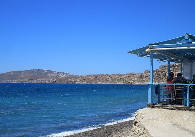 Restaurantje aan zee Santorini