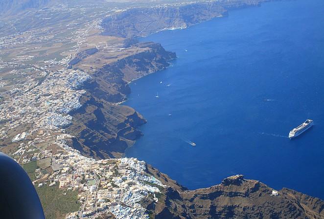 Santorini vanuit de lucht