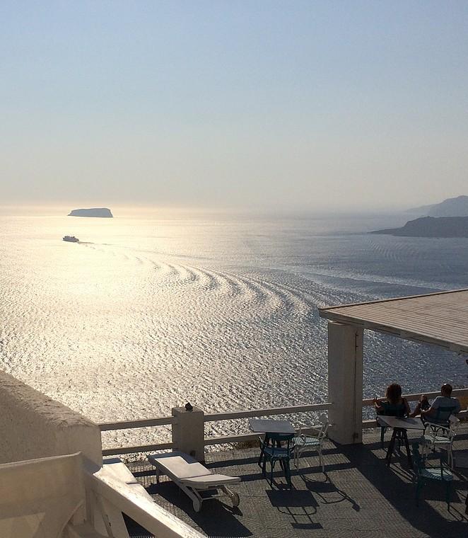 Uitzicht-hotel-santorini