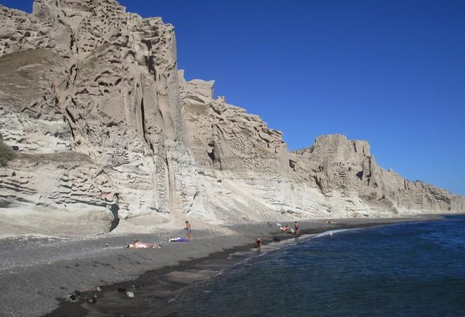 Verborgen strand Santorini