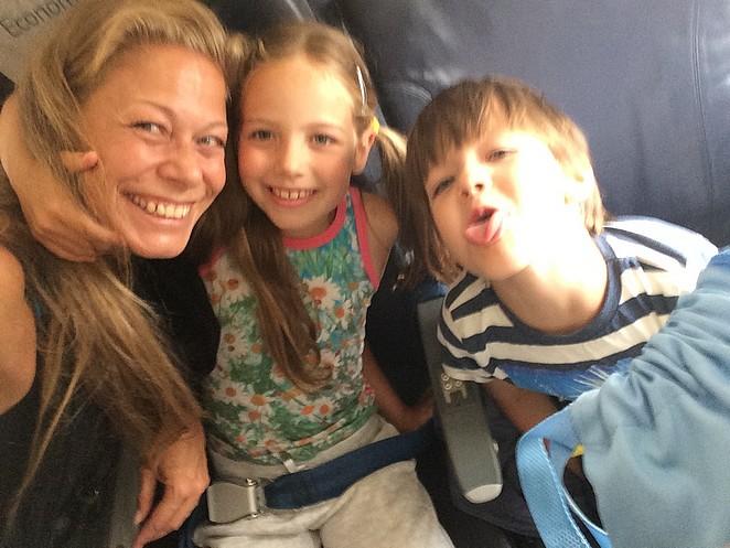 vliegen-alleestaande-ouder-kinderen