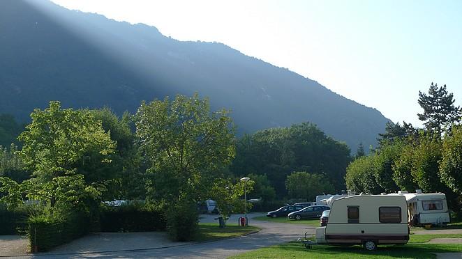 camping-challes-les-eaux