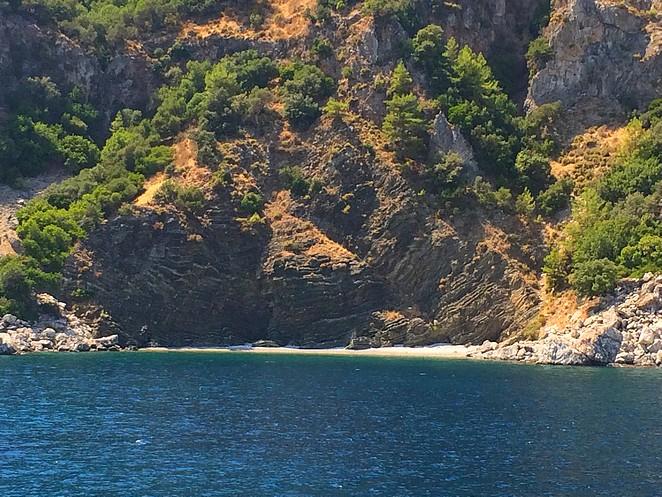 wit strand turkooizen water