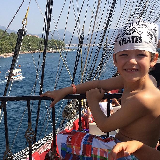 Op een piratenschip langs de Turkse kust