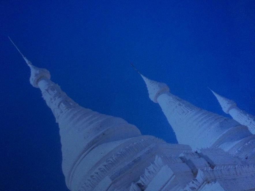 Birmese tempel bij Mandalay